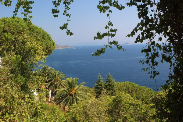 Další z nepřeberného množství výhledů na moře, tentokrát u Rio Marina