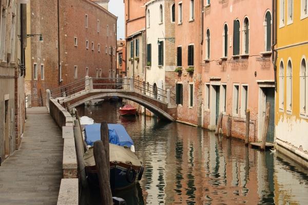 Ráno jsou Benátky liduprázdné